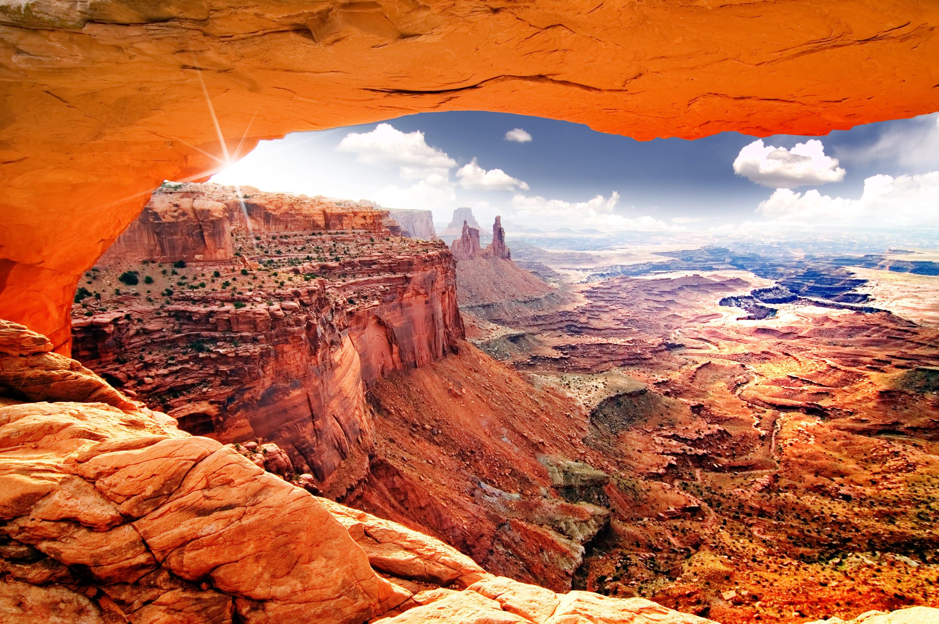 世界遺産、エッフェル塔の見どころ3選!夜景のライトアップは見逃せない   SHIORI