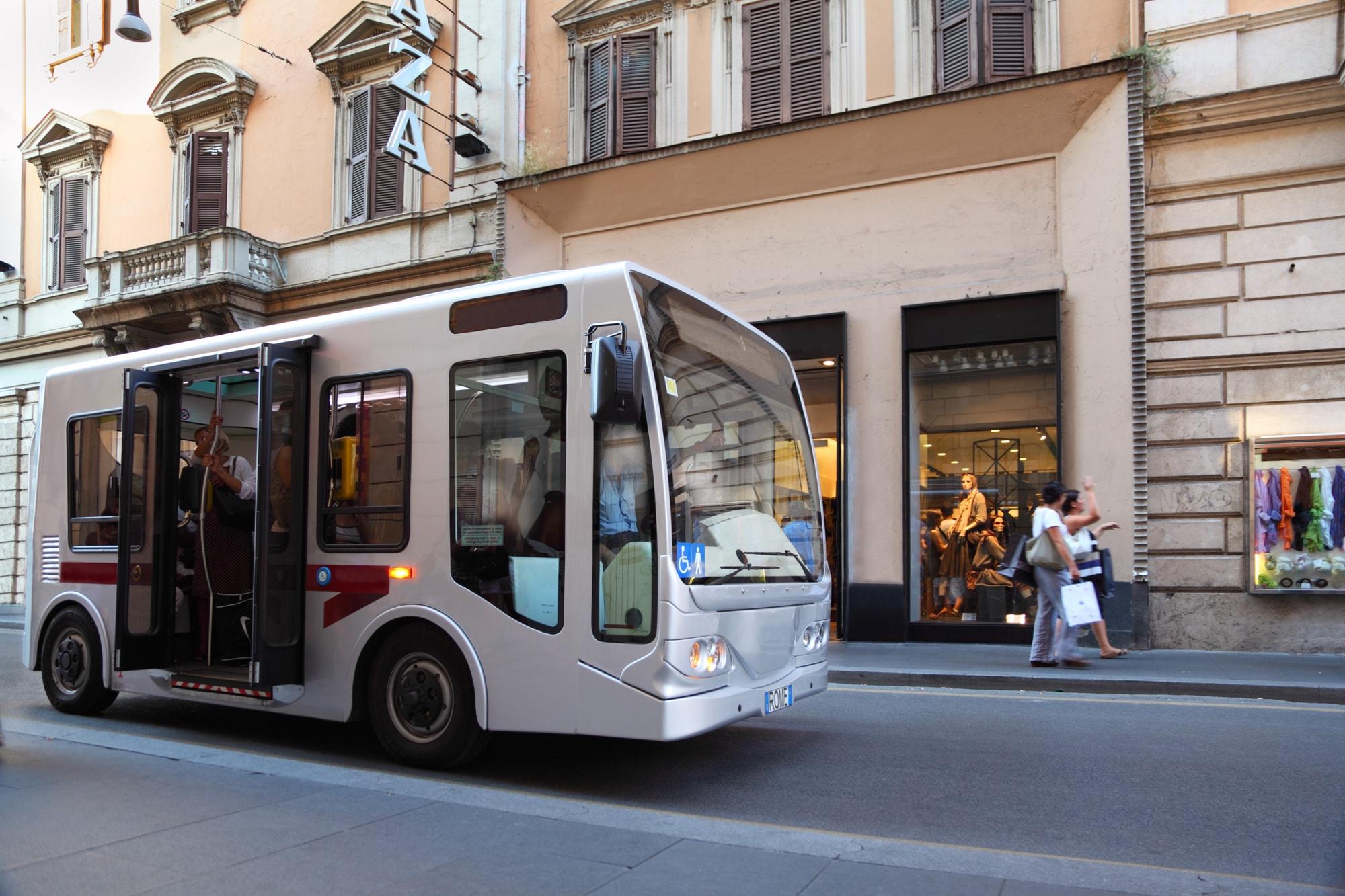 イタリア文化 交通手段