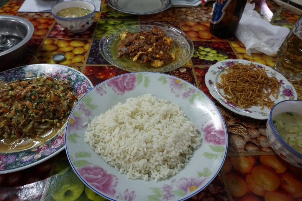 ミャンマー 観光 食事