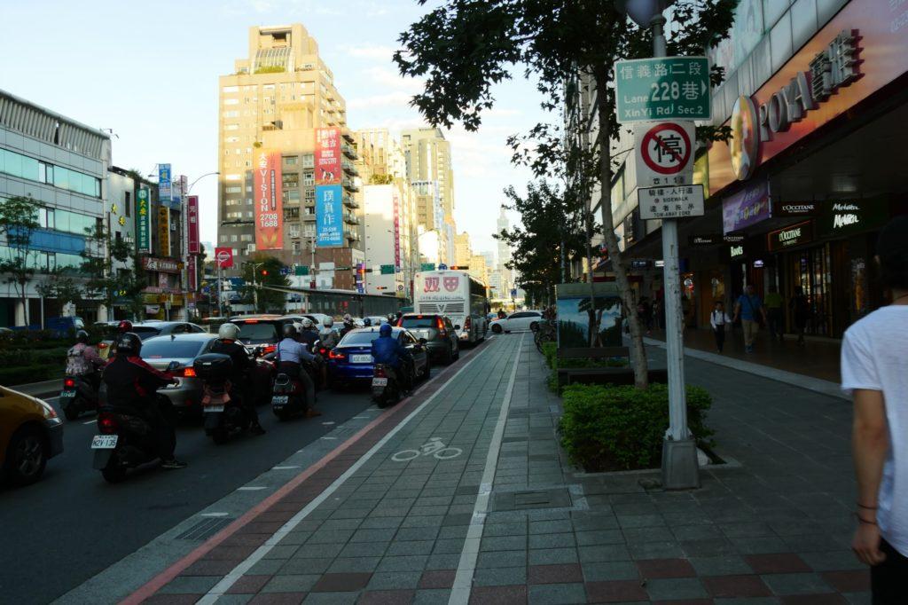 台湾 東門3