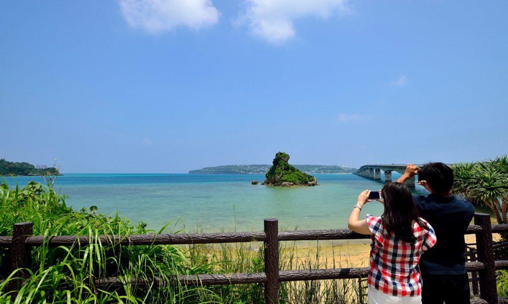 沖縄旅行費用 カップル