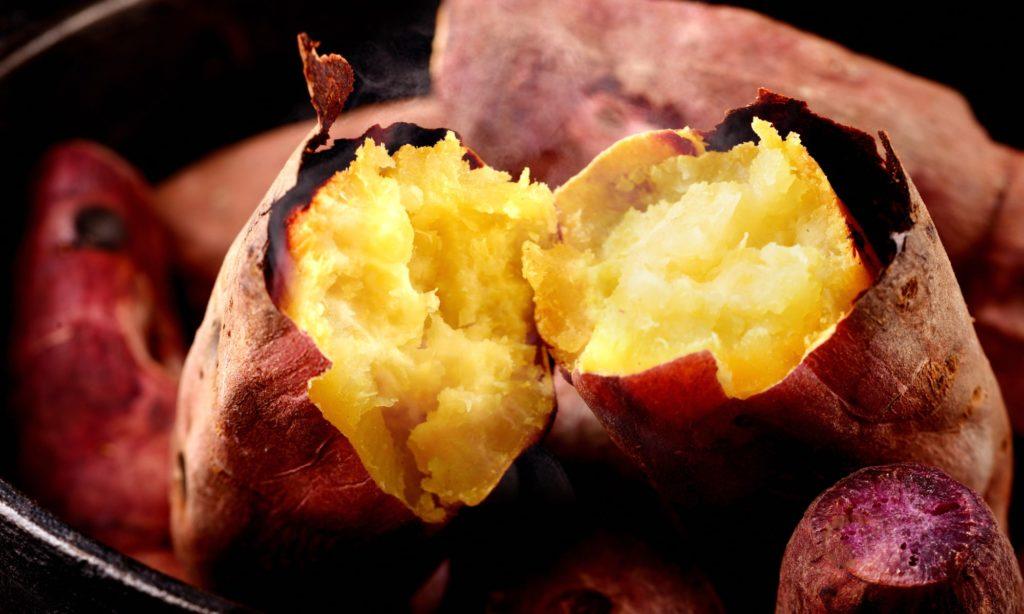 秋の食べ物 サツマイモ