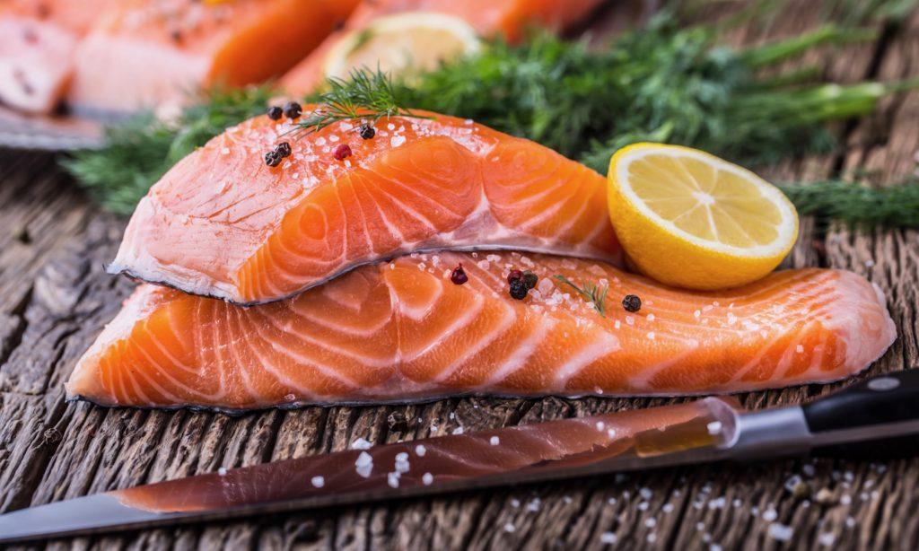 秋の食べ物 鮭